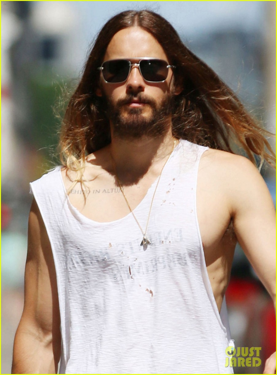 jared leto always looks so hot in his tank tops 023183080
