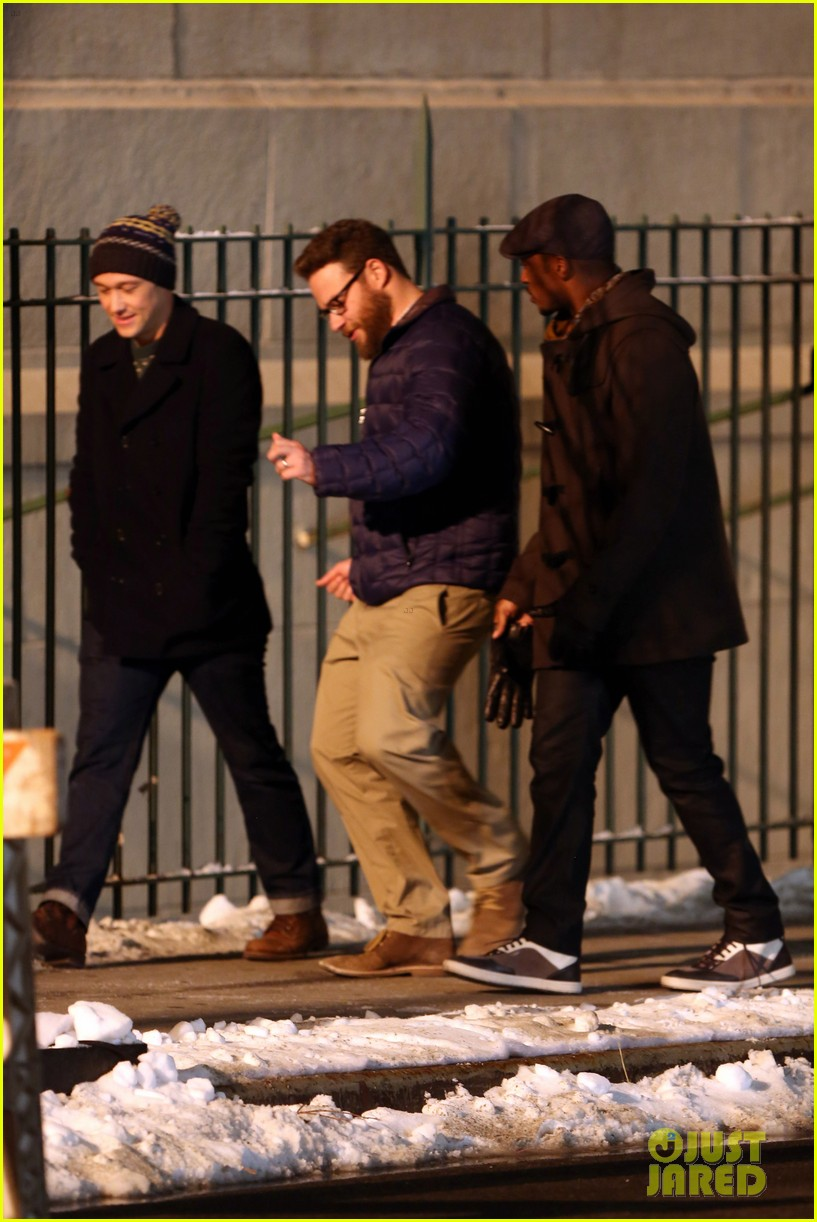 joseph gordon levitt anthony mackie seth rogen christmas movie 213186398