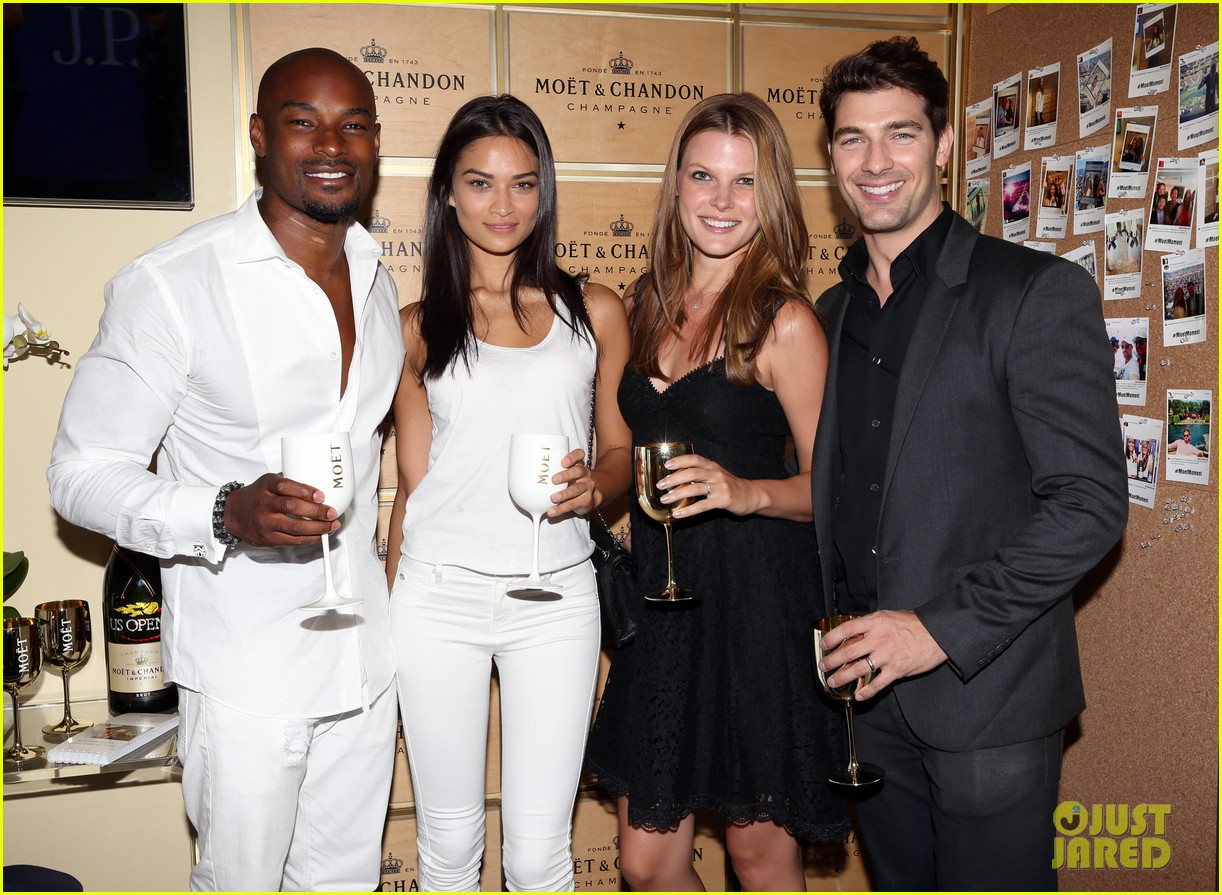 models lindsay ellingson amp tyson beckford bring their
