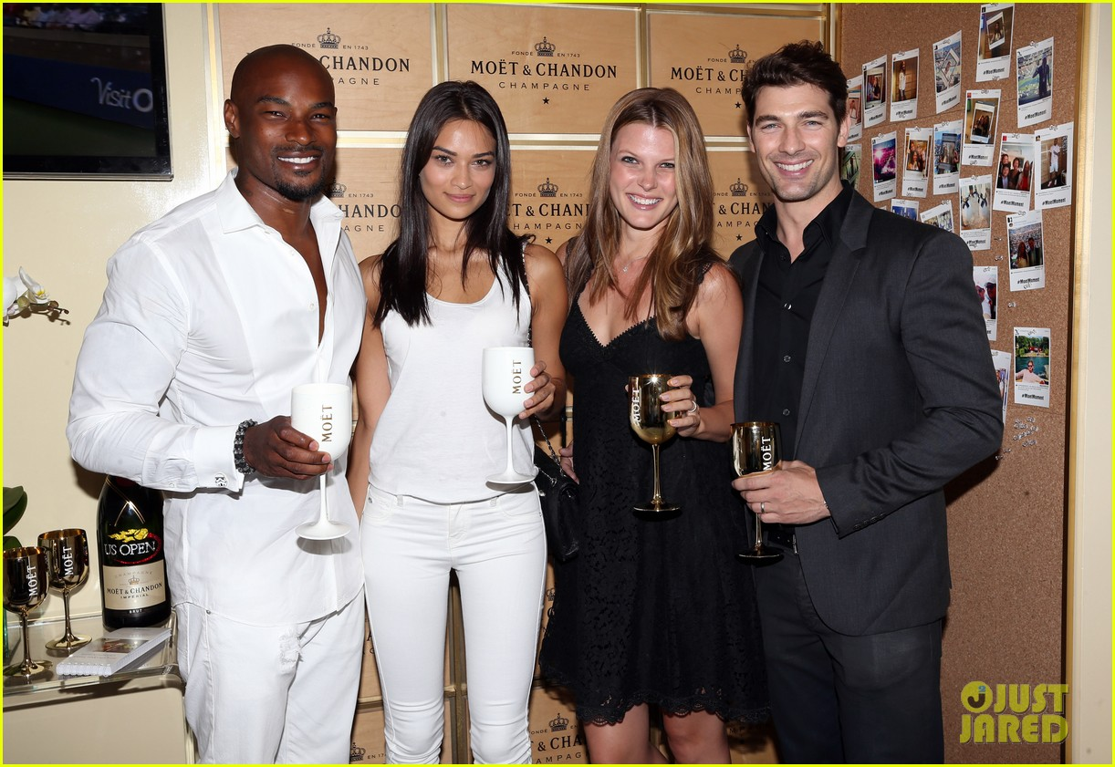 model lindsay ellingson tyson beckford enjoy us open 15