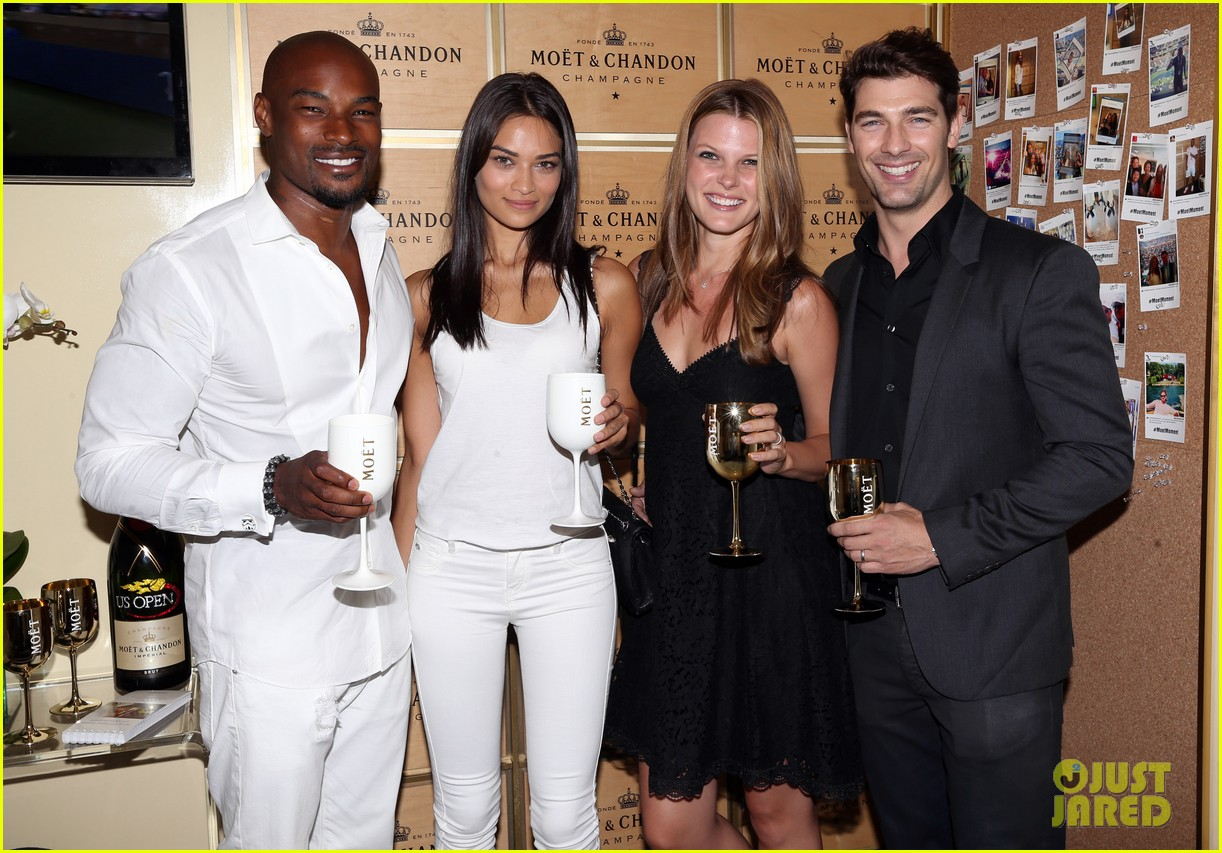 model lindsay ellingson tyson beckford enjoy us open 163186111