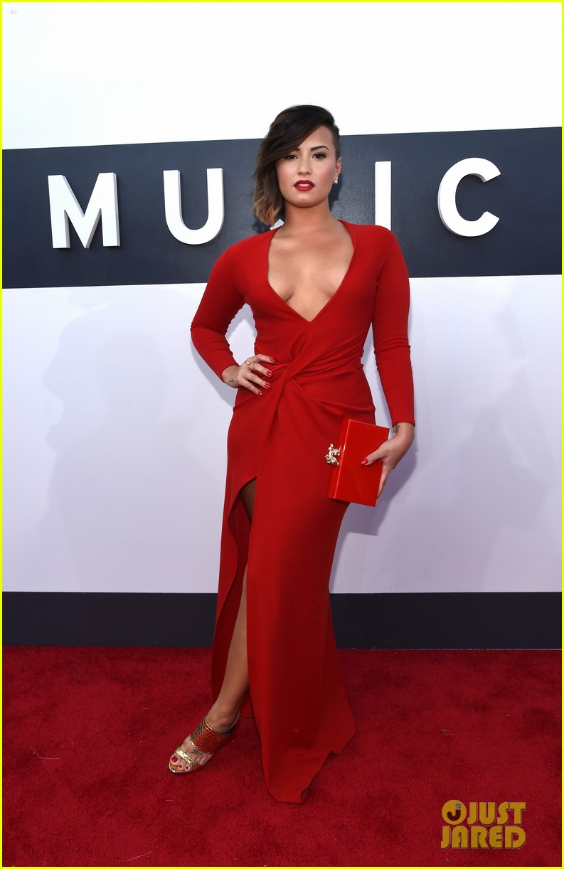 demi lovato red hot mtv vmas 023182456