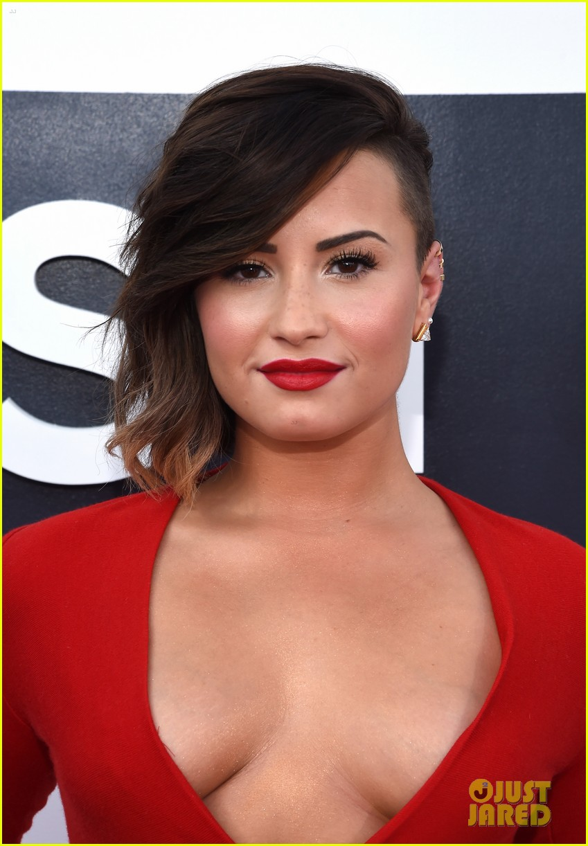 demi lovato red hot mtv vmas 033182457