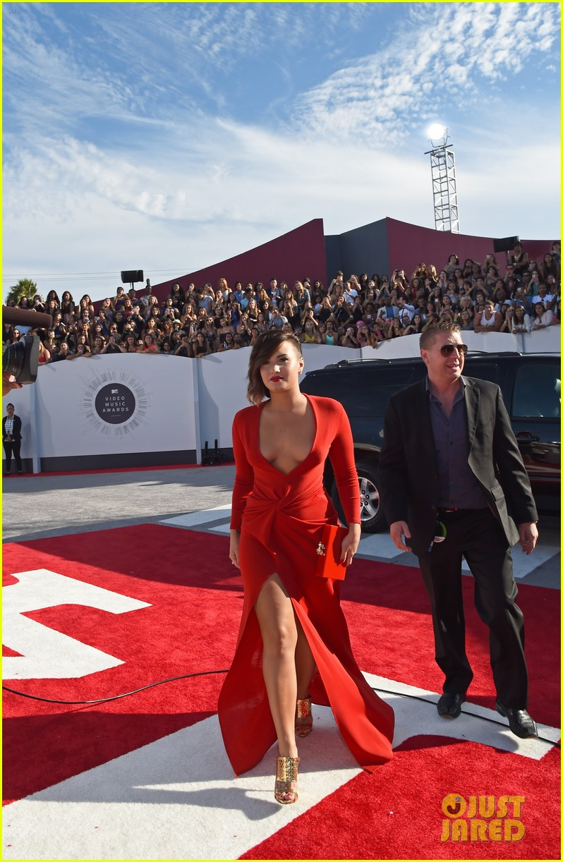 demi lovato red hot mtv vmas 043182458