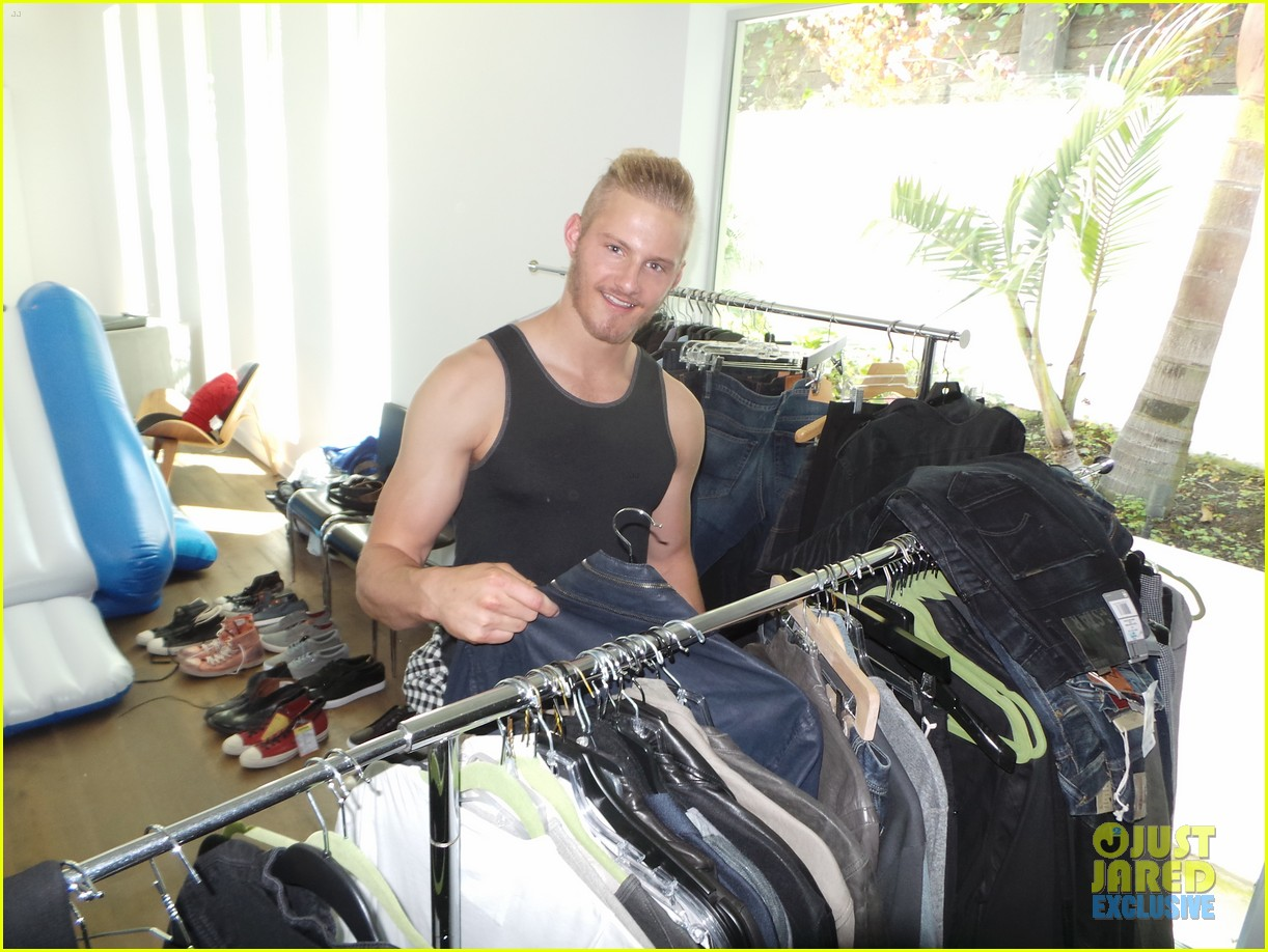 alexander ludwig jj spotlight behind the scenes photos 043179183