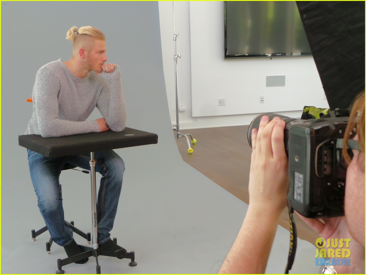 alexander ludwig jj spotlight behind the scenes photos 143179193