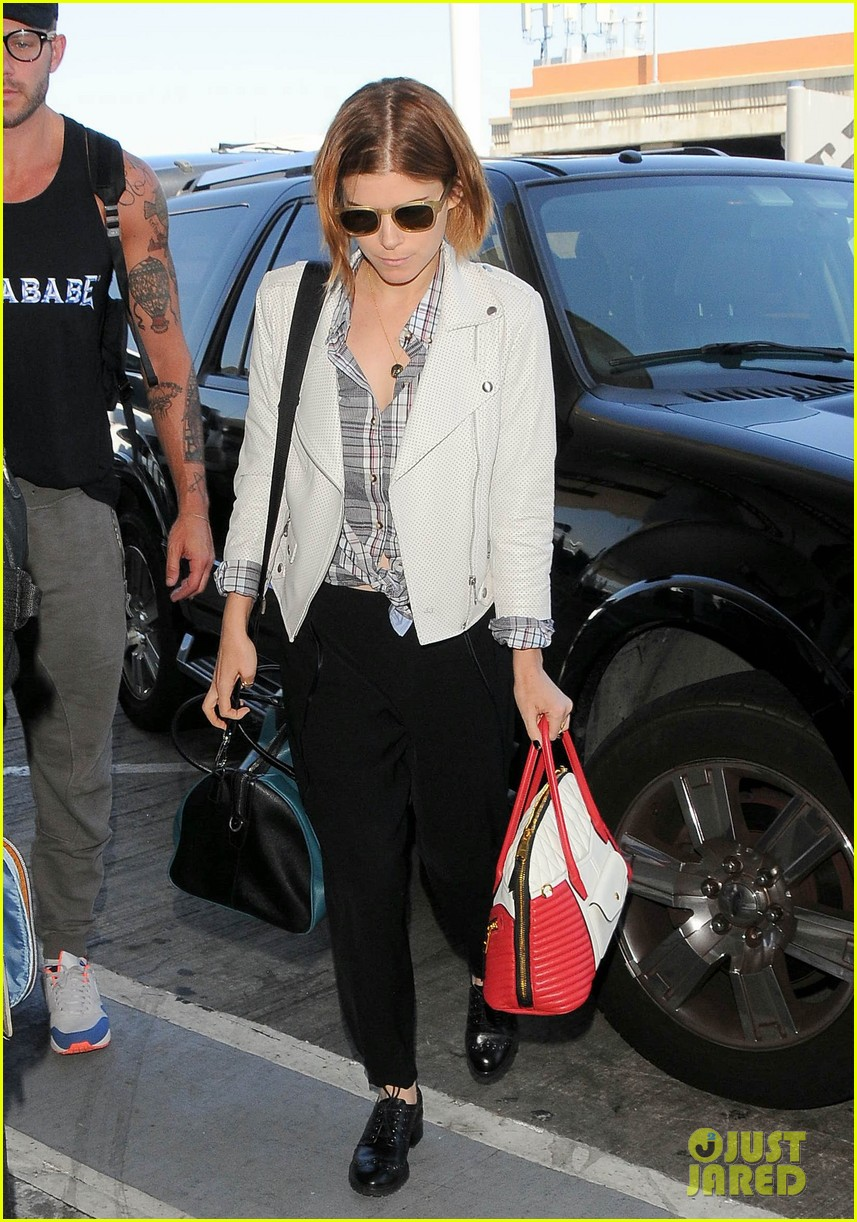 kate mara robin wright fly out of los angeles 013185184