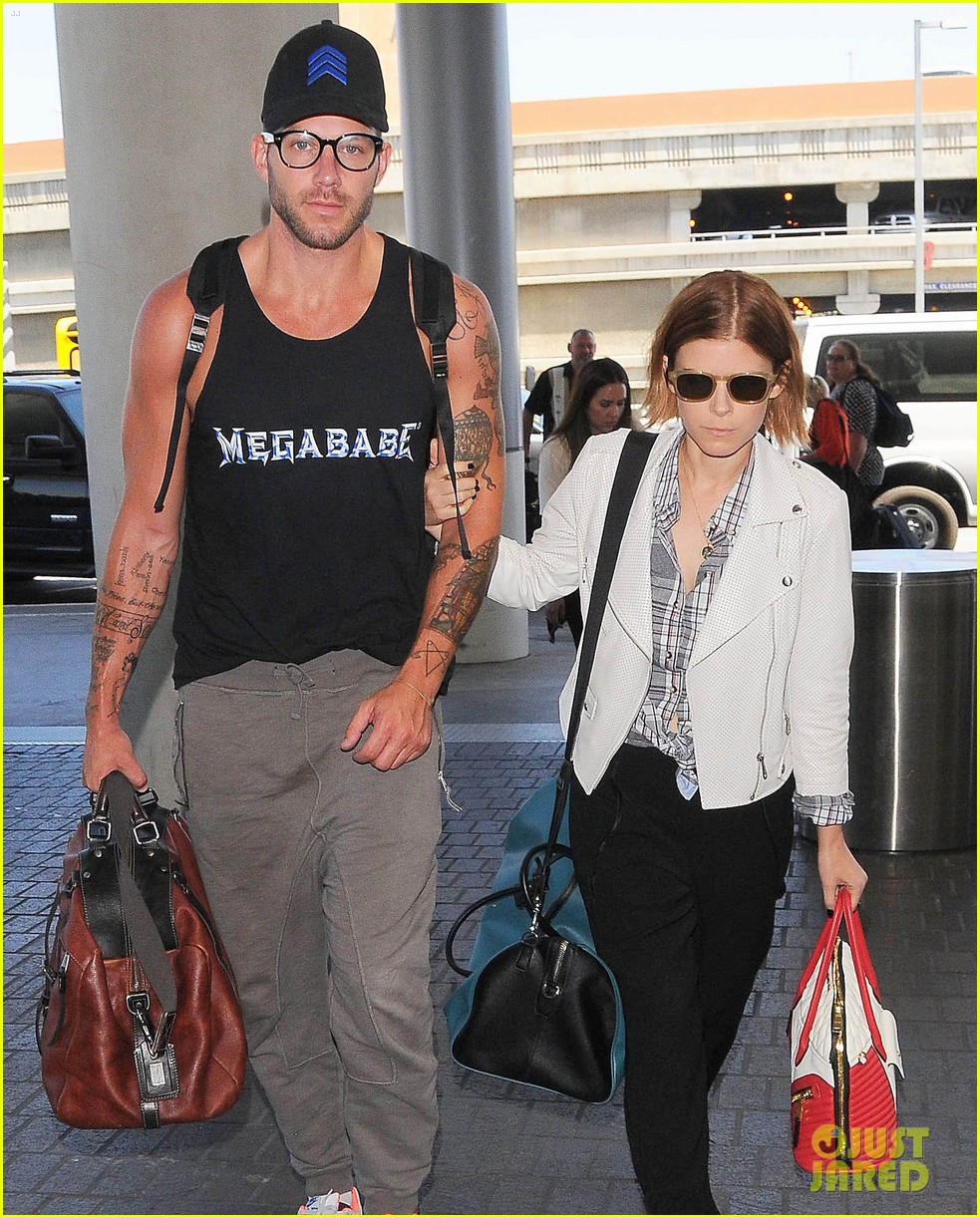 kate mara robin wright fly out of los angeles 04
