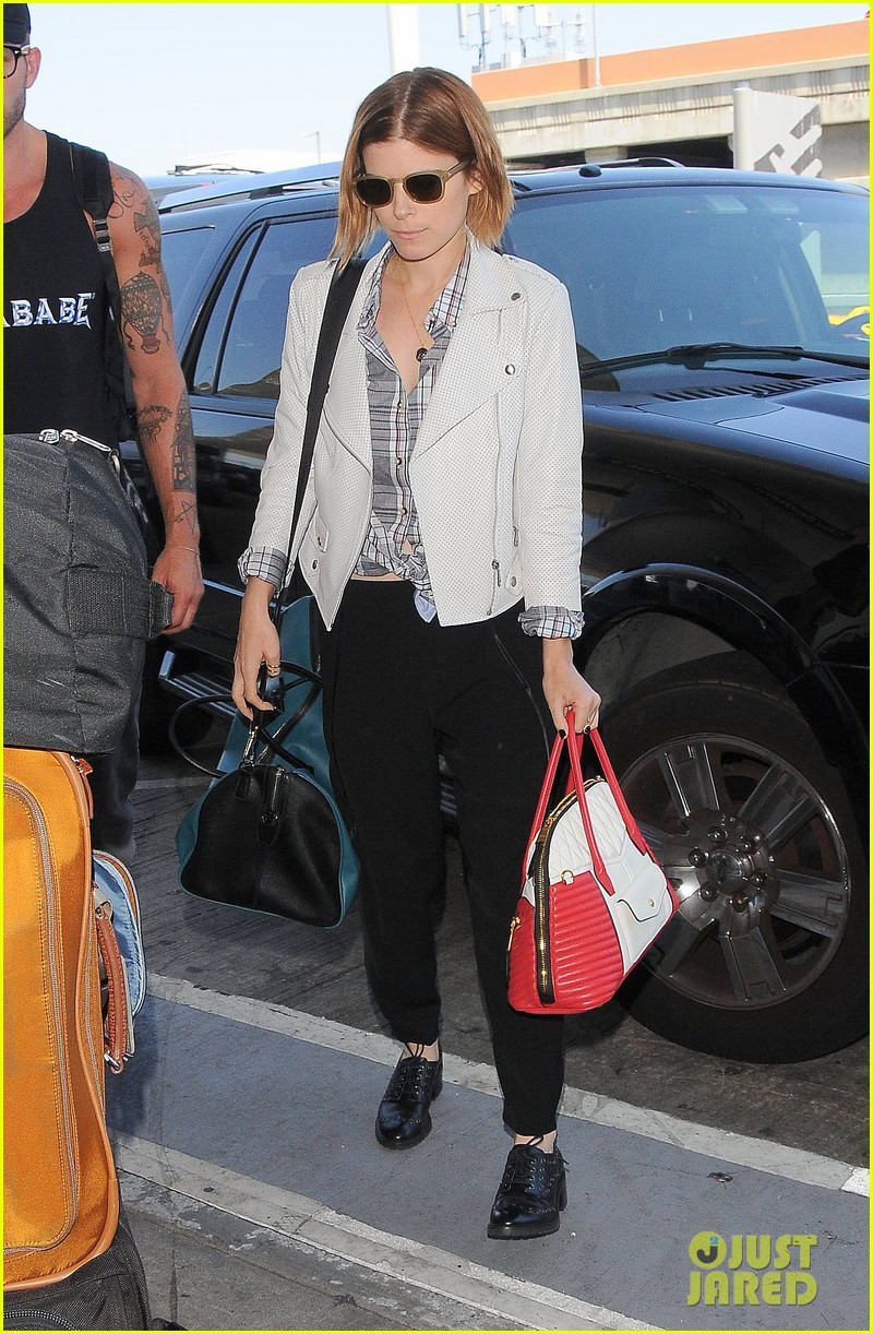 kate mara robin wright fly out of los angeles 063185189