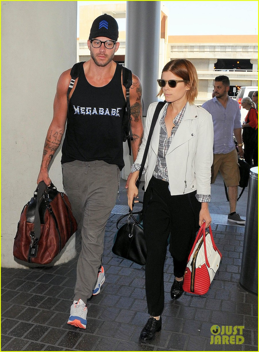 kate mara robin wright fly out of los angeles 093185192