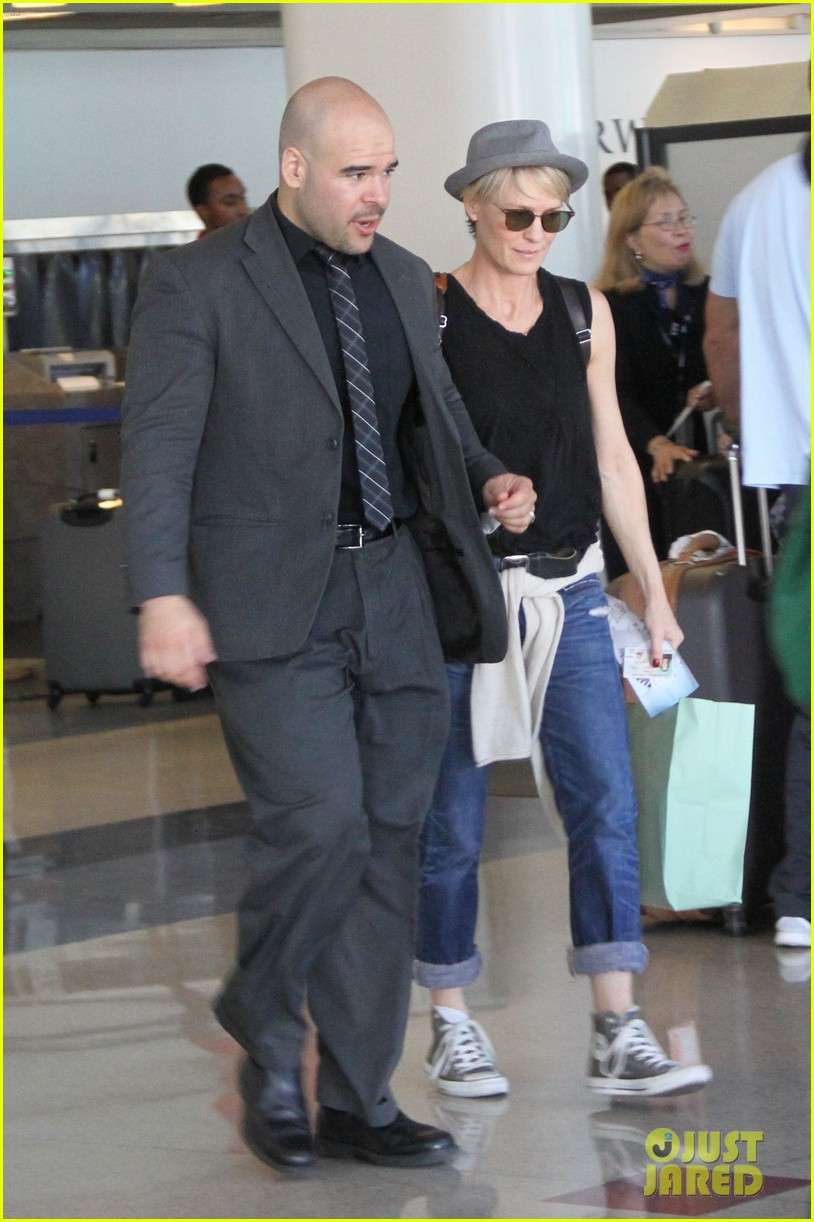 kate mara robin wright fly out of los angeles 193185202