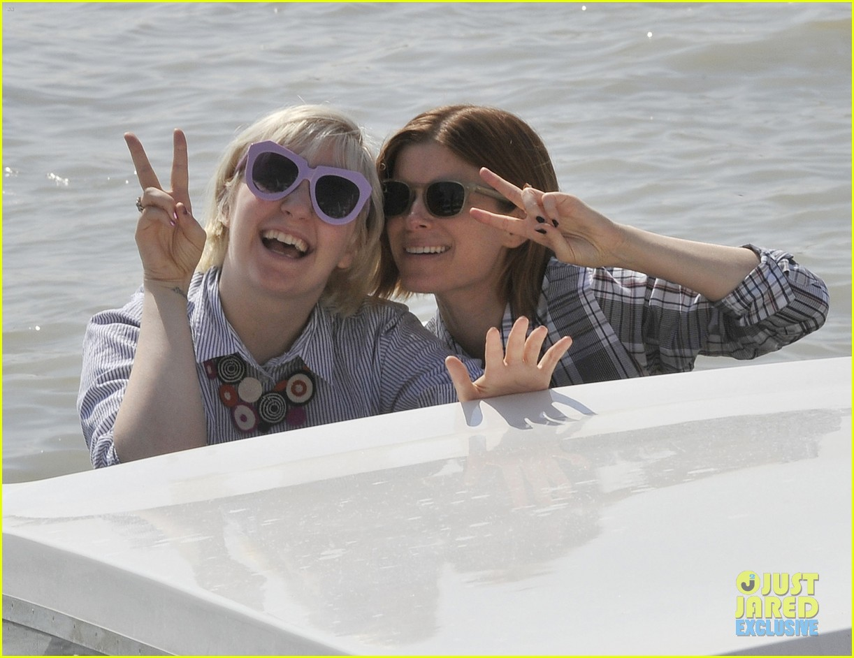 kate mara lena dunham have a load of fun together venice 033185559