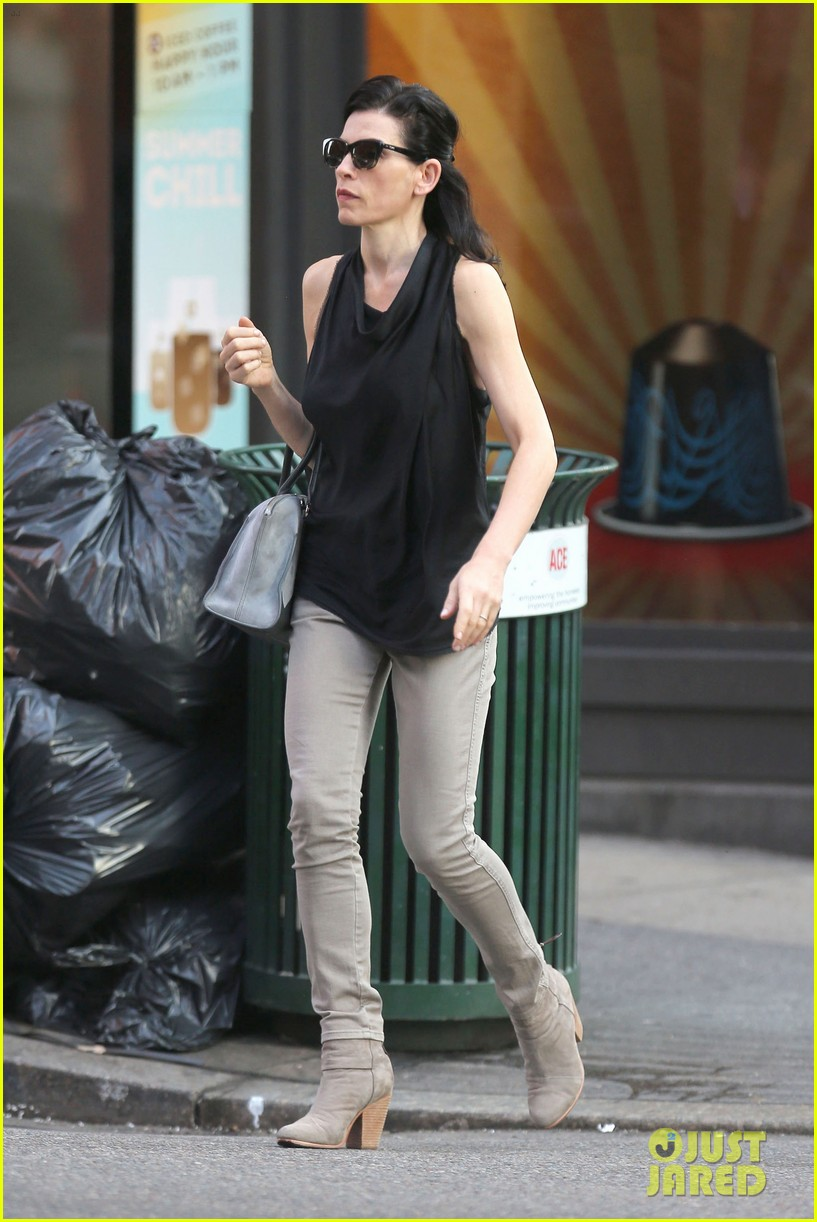 julianna margulies is getting criticized for her emmys speech 083185878