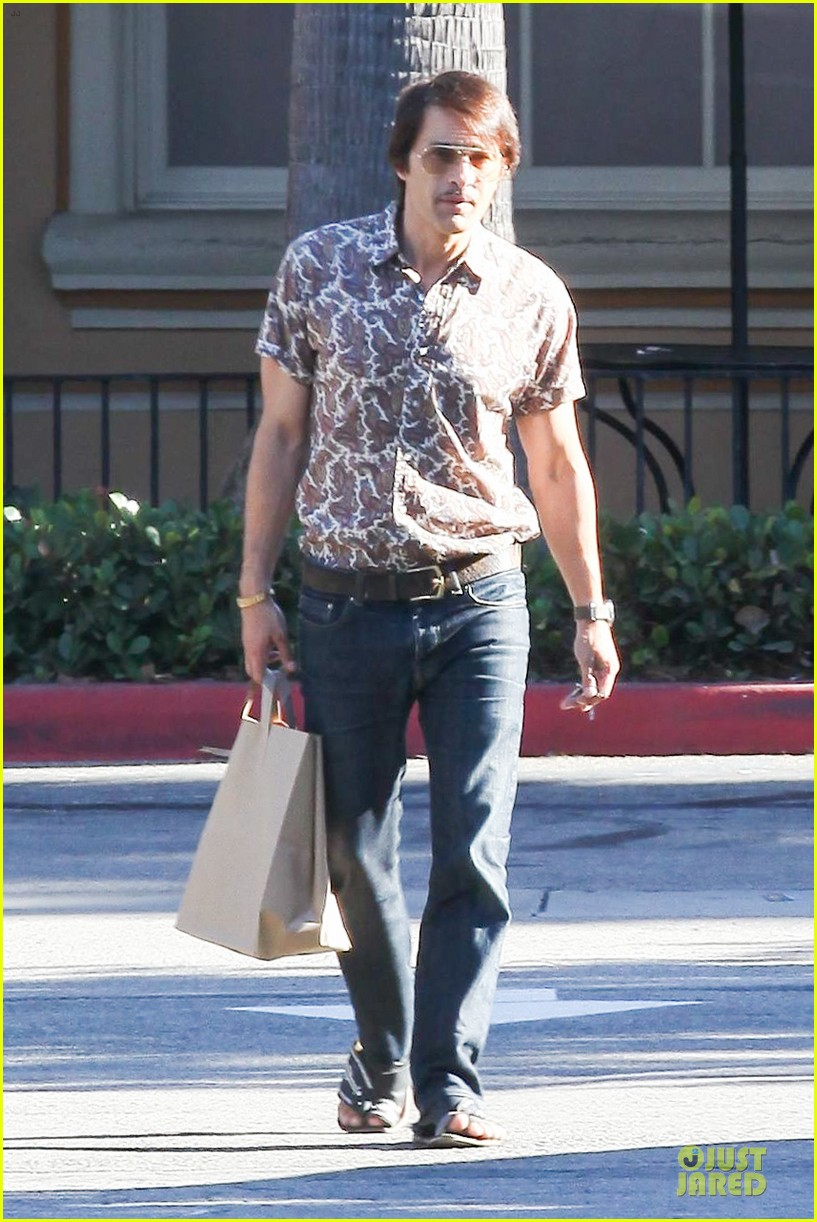 olivier martinez travels back to the 1970s 053177493