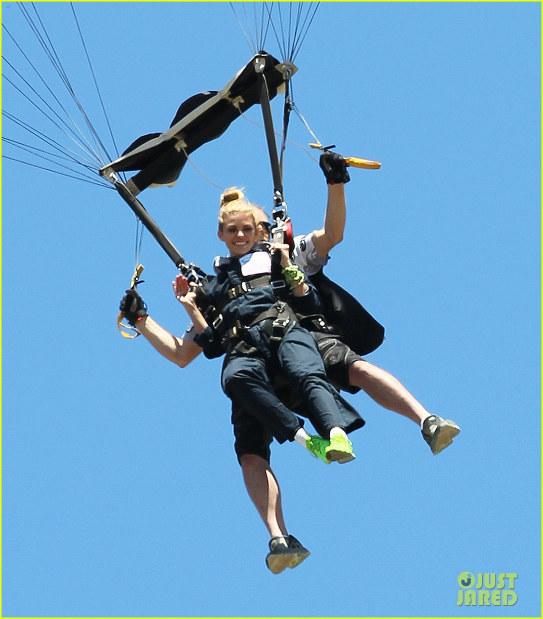 annalynne mccord charity i care skydiving 013178226
