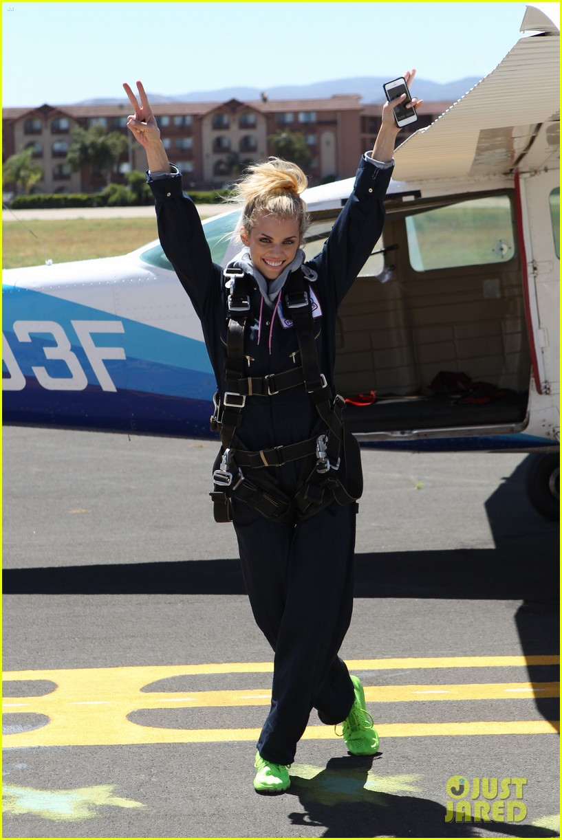 annalynne mccord charity i care skydiving 023178227