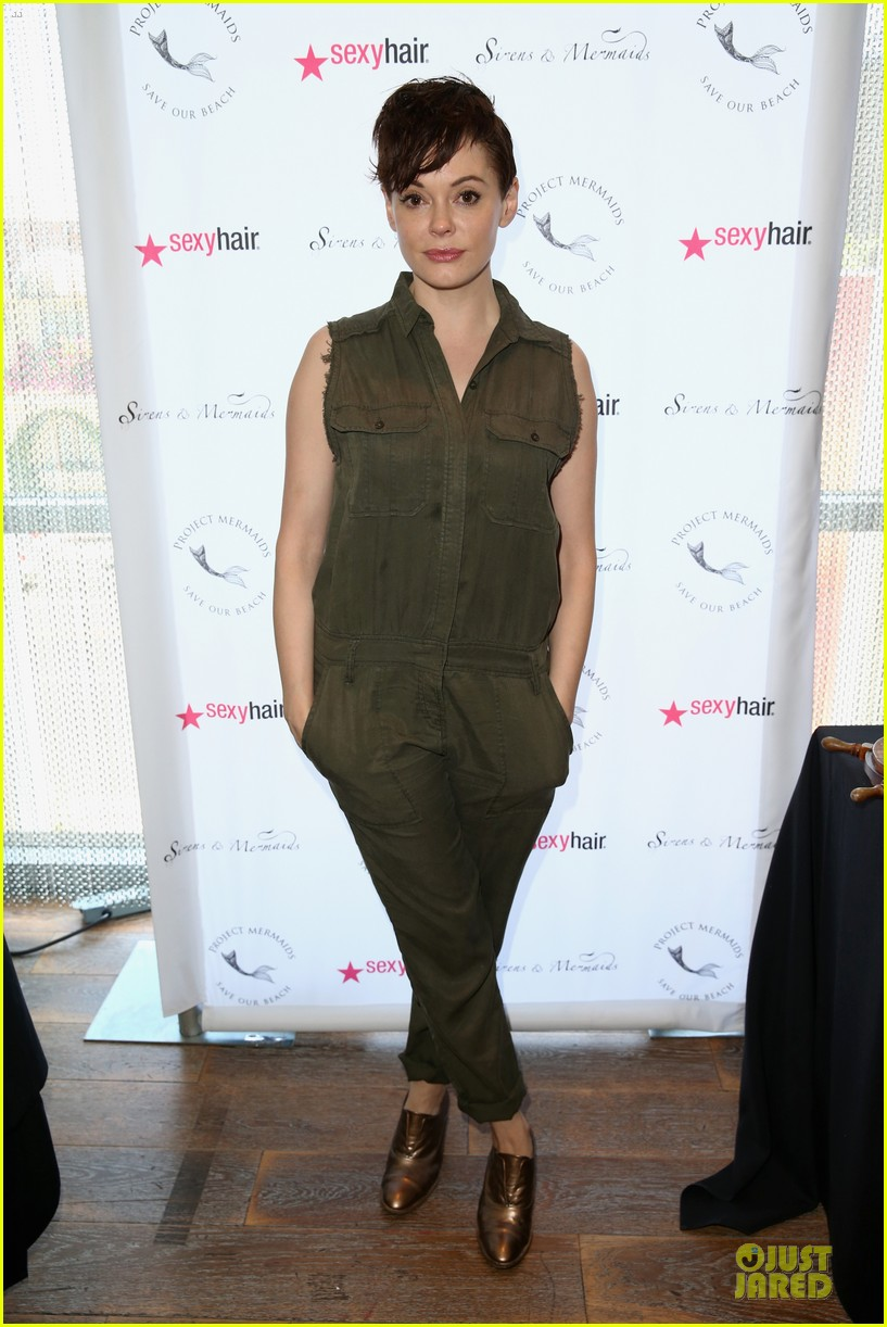 rose mcgowan rocks shorter hair 073181500