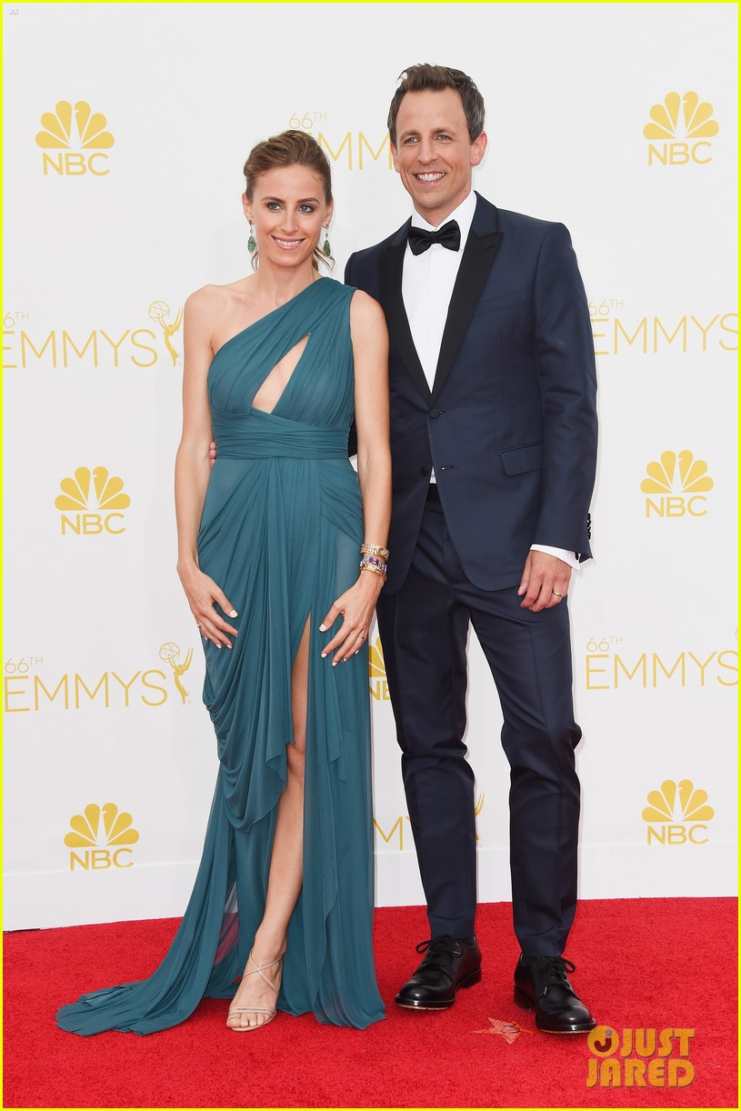 seth meyers hits red carpet before hosting duties emmys 2014 053183222