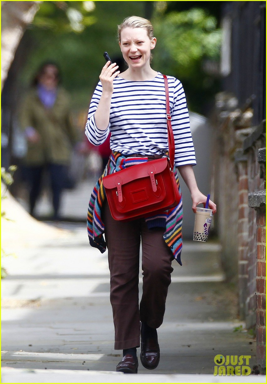mia wasikowska funny phone call london coffee 073184735