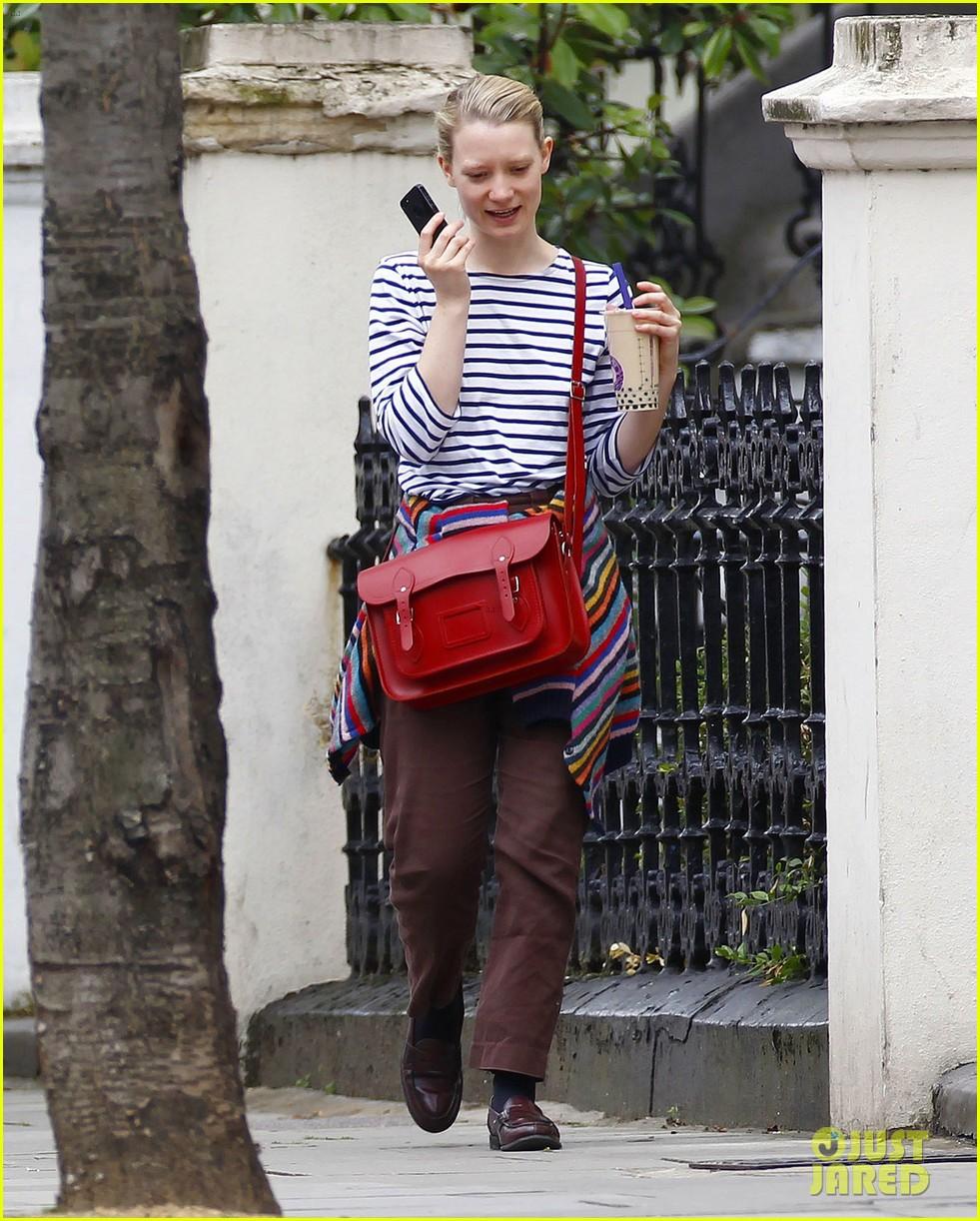 mia wasikowska funny phone call london coffee 123184740