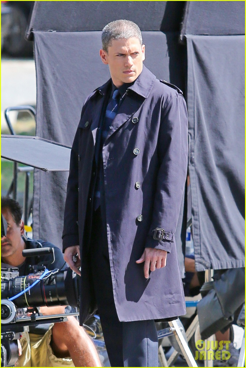 wentworth miller on the flash first set photos 023171969