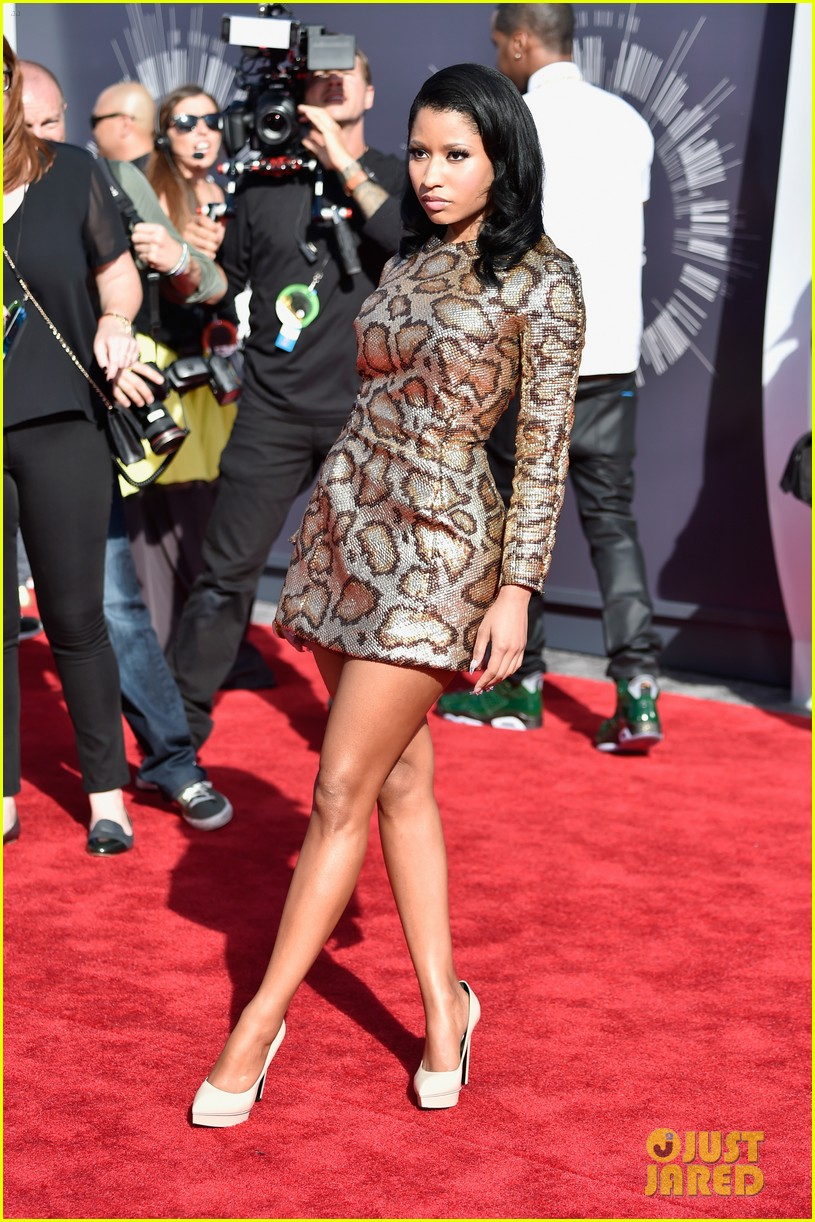 nicki minaj channels her inner anaconda at mtv vmas 2014 043182313
