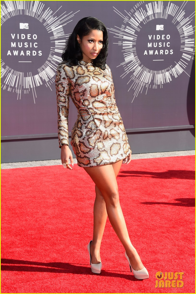 nicki minaj channels her inner anaconda at mtv vmas 2014 053182314
