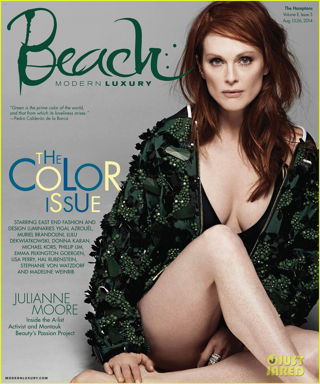 julianne moore gets sexy for beach magazine 043178369