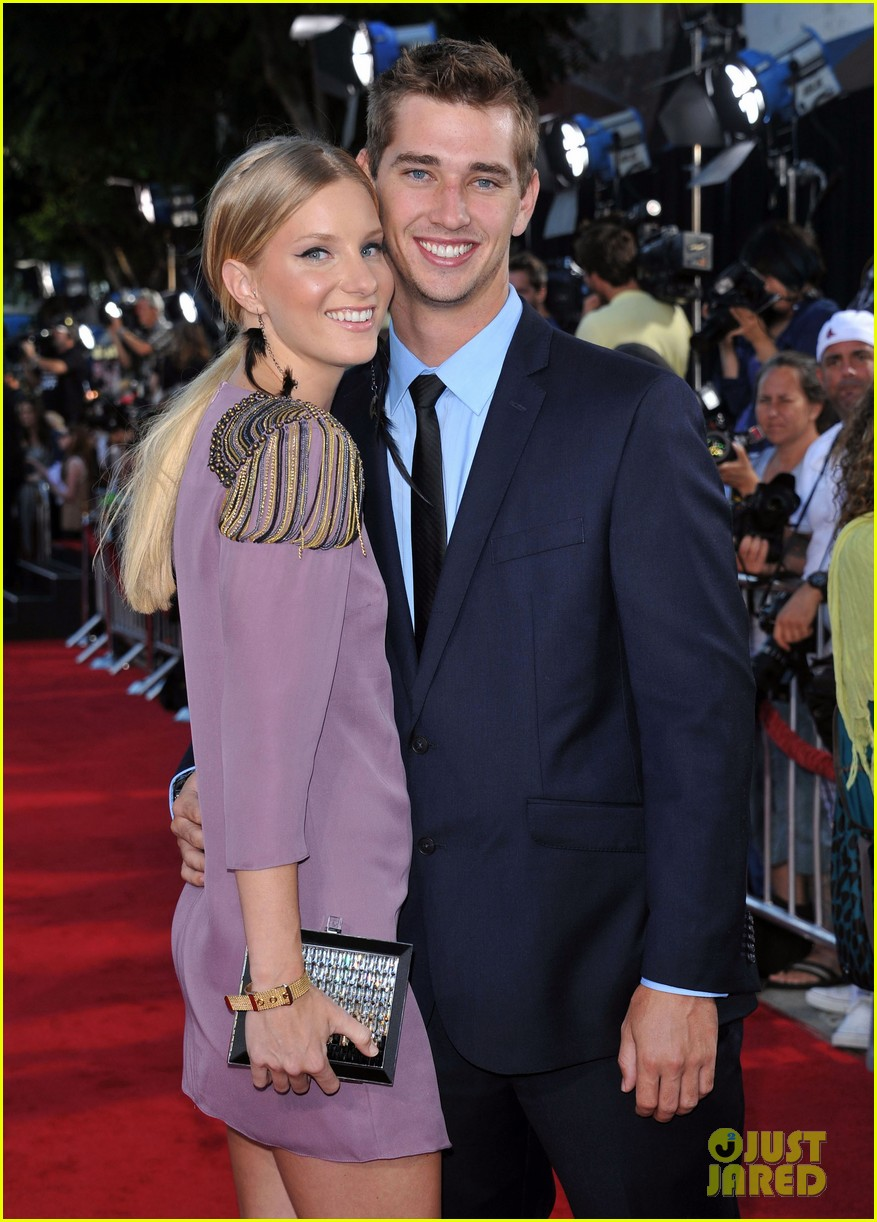 heather morris engaged to taylor hubbell 04