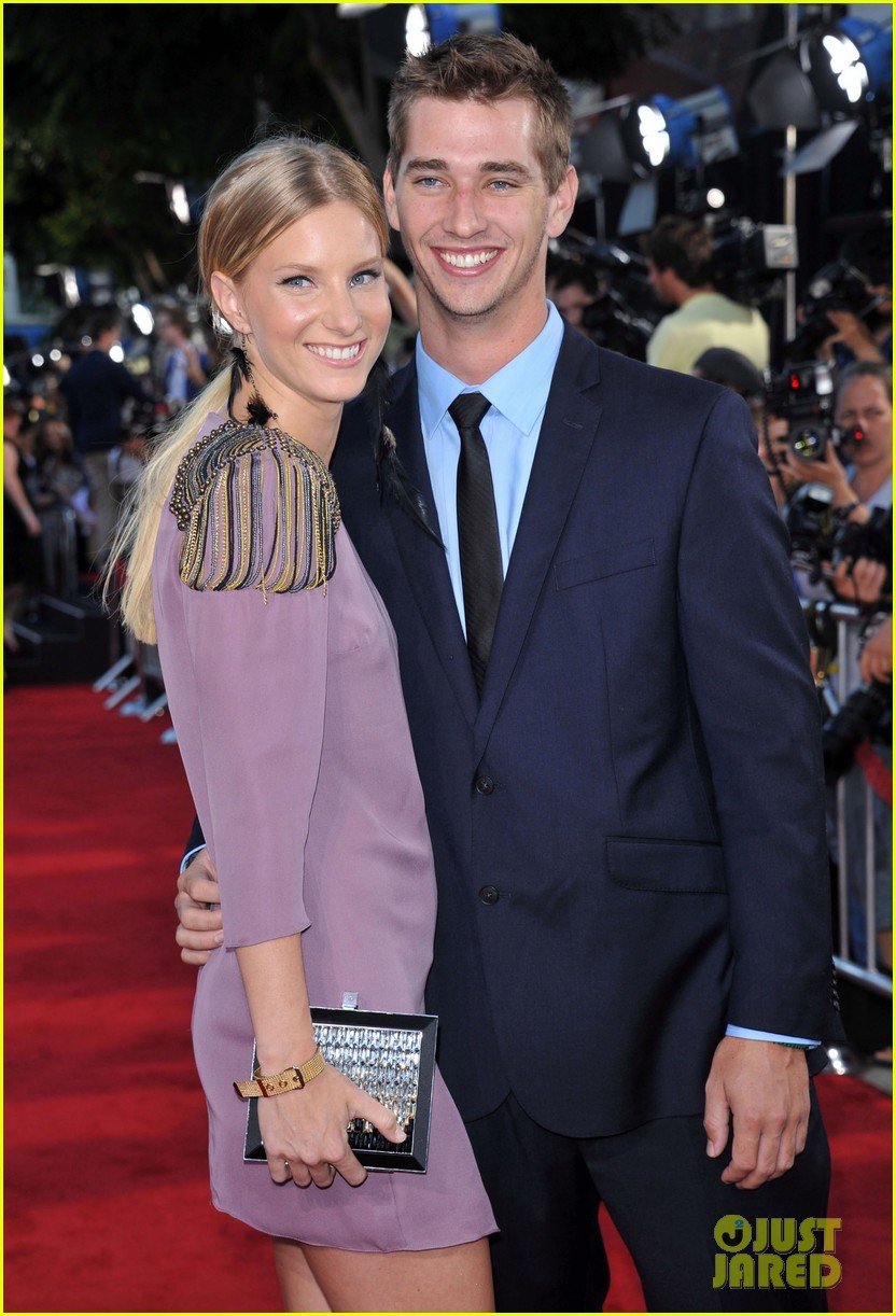 heather morris engaged to taylor hubbell 103184998