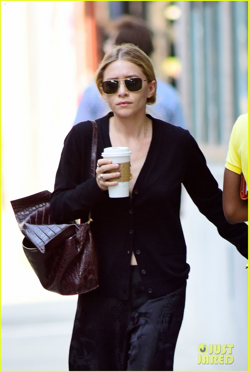 ashley olsen mary kate olsen hamptons trip 033185297