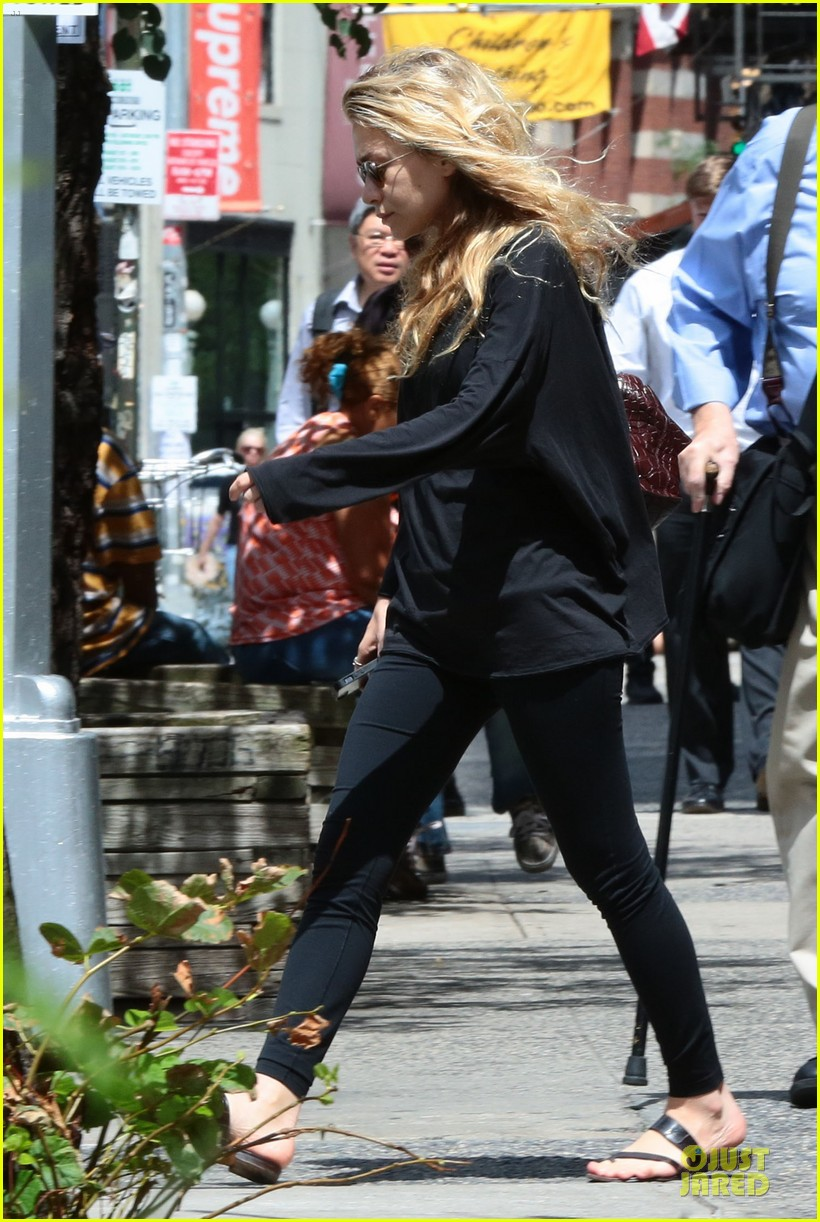 ashley olsen co star reflects on working with them 053177329