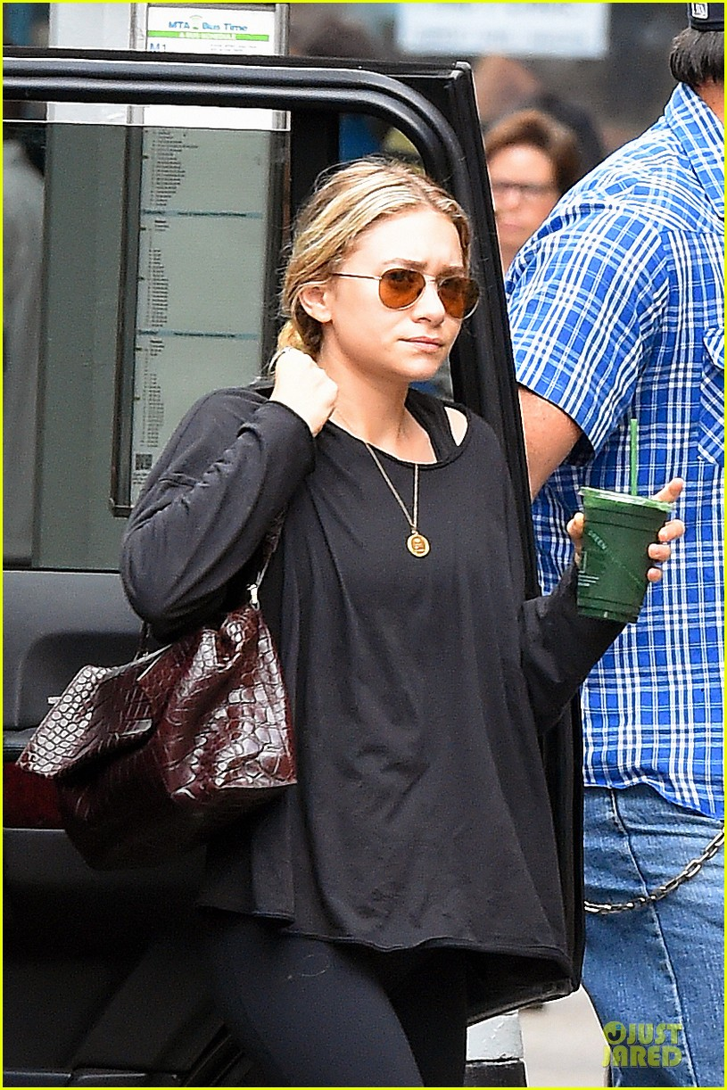 ashley olsen co star reflects on working with them 173177341