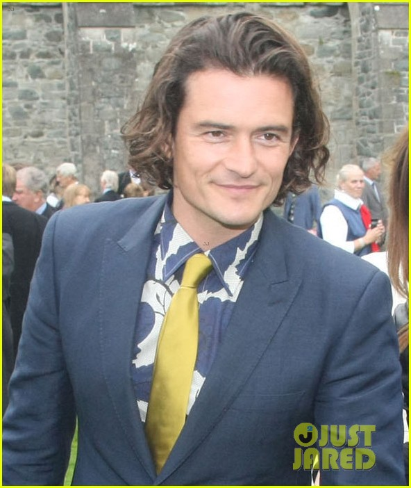orlando bloom takes selfies wedding ireland 013186807