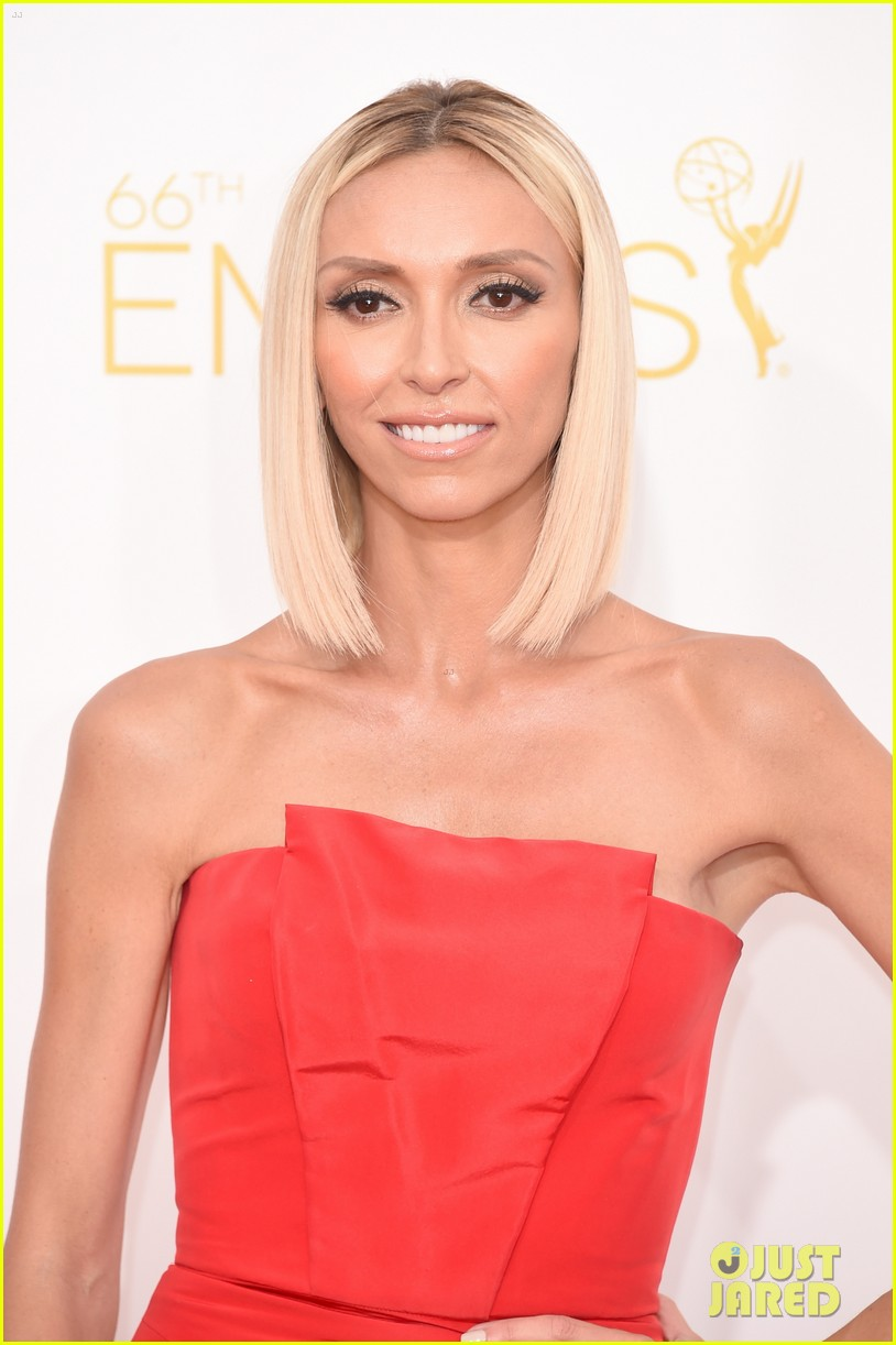 kelly osbourne giuliana rancic emmy red carpet 113183200