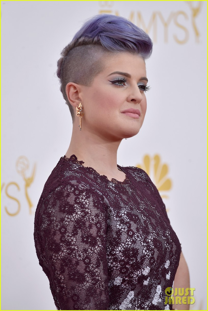 kelly osbourne giuliana rancic emmy red carpet 133183202