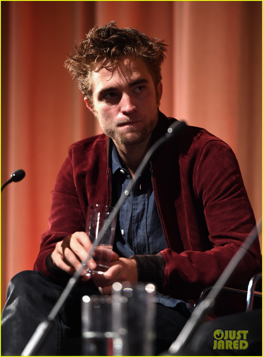 robert pattinson wants to work in american politics 043171810