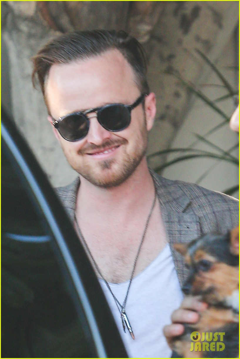 aaron paul has lots to celebrate birthday emmy win 033184697