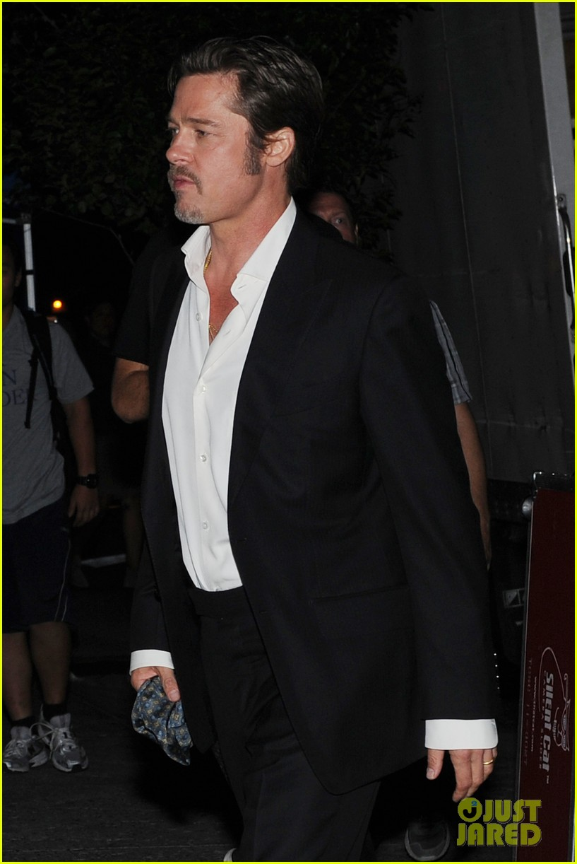 brad pitt suits up shows off wedding ring 123186902