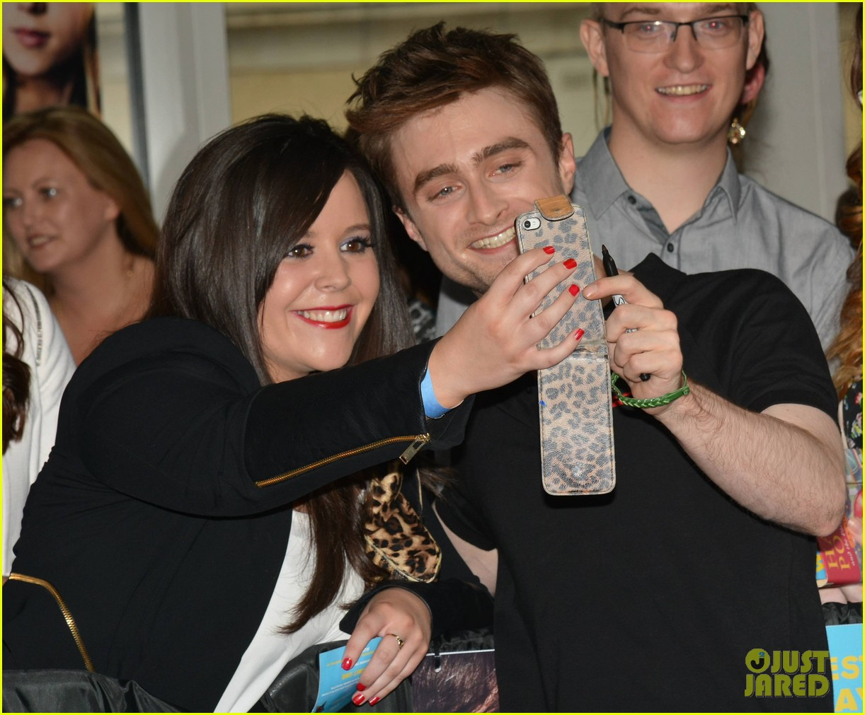 daniel radcliffe pose with fans what if dublin ireland 013177390