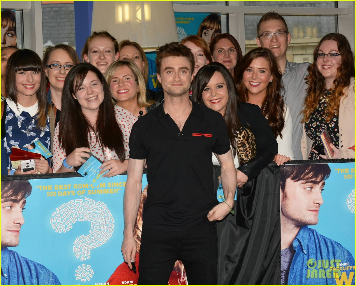 daniel radcliffe pose with fans what if dublin ireland 033177392