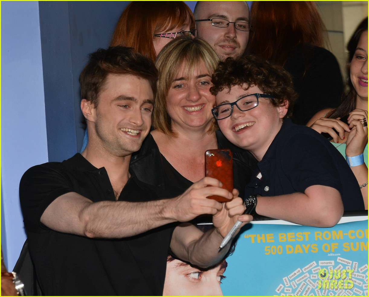 daniel radcliffe pose with fans what if dublin ireland 103177399