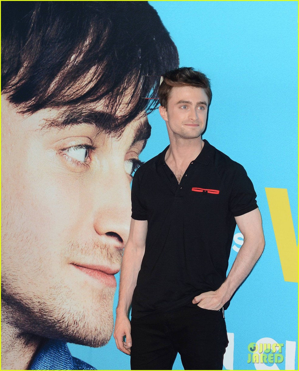 daniel radcliffe pose with fans what if dublin ireland 113177400