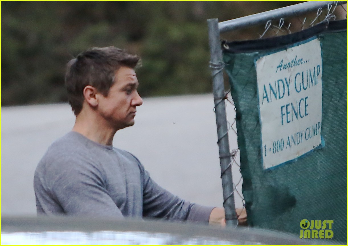 jeremy renner on ice bucket challenge 113181816