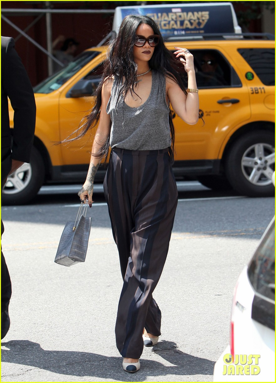 rihanna goes braless in new york city 07