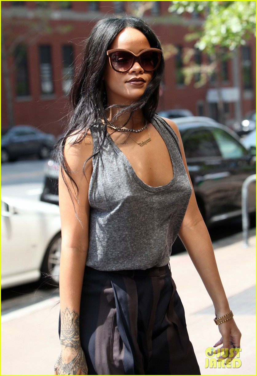rihanna goes braless in new york city 123179702