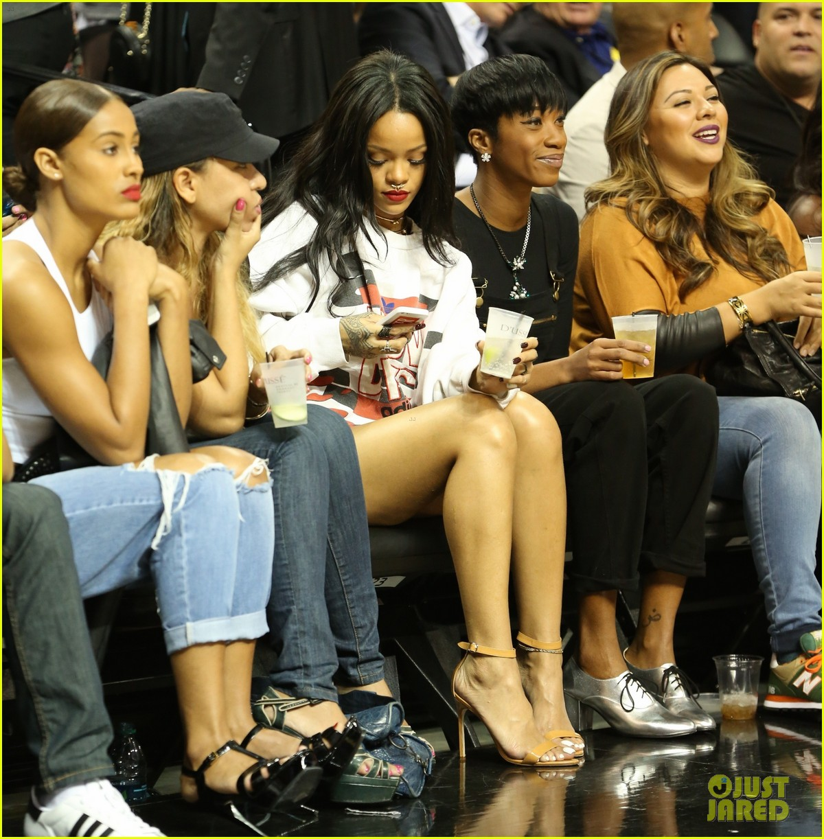 rihanna watches chris brown play basketball in courtside seats 263180658