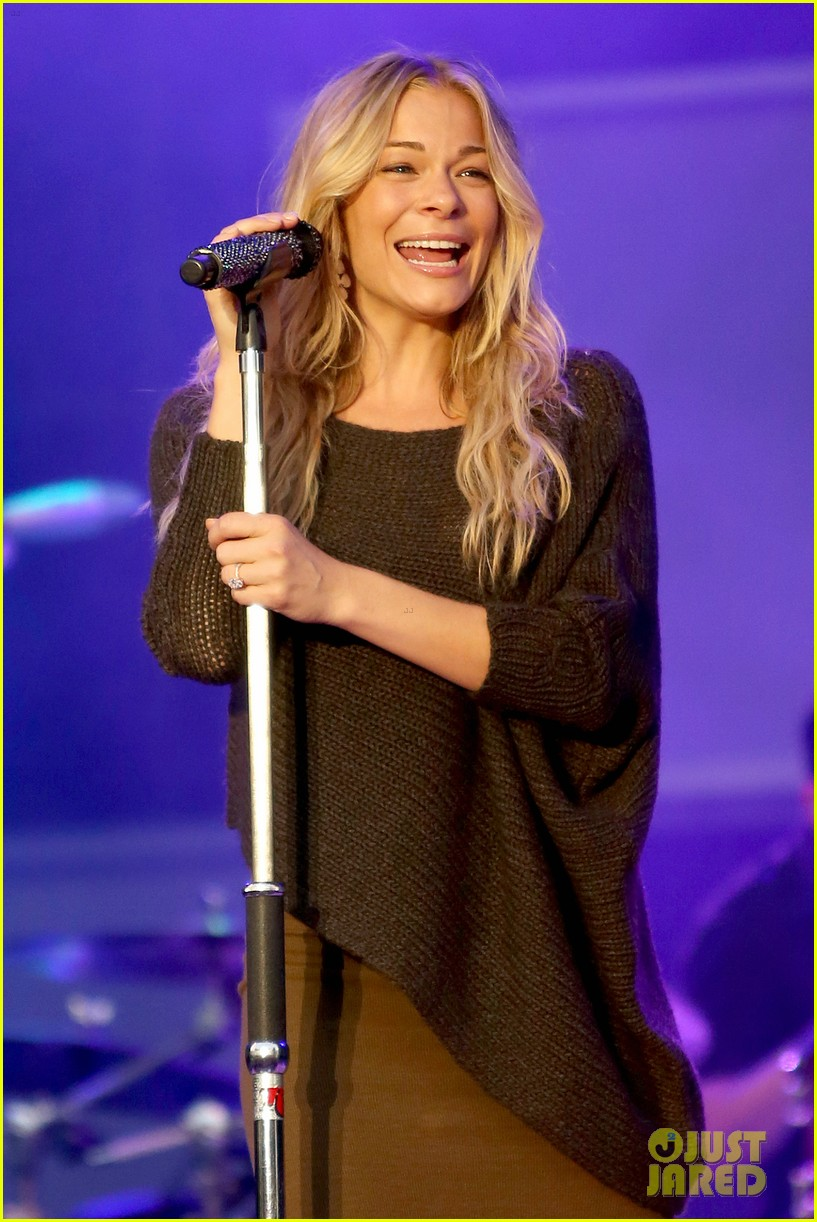 leann rimes eddie cibrian told not to wait to have a baby 013180972