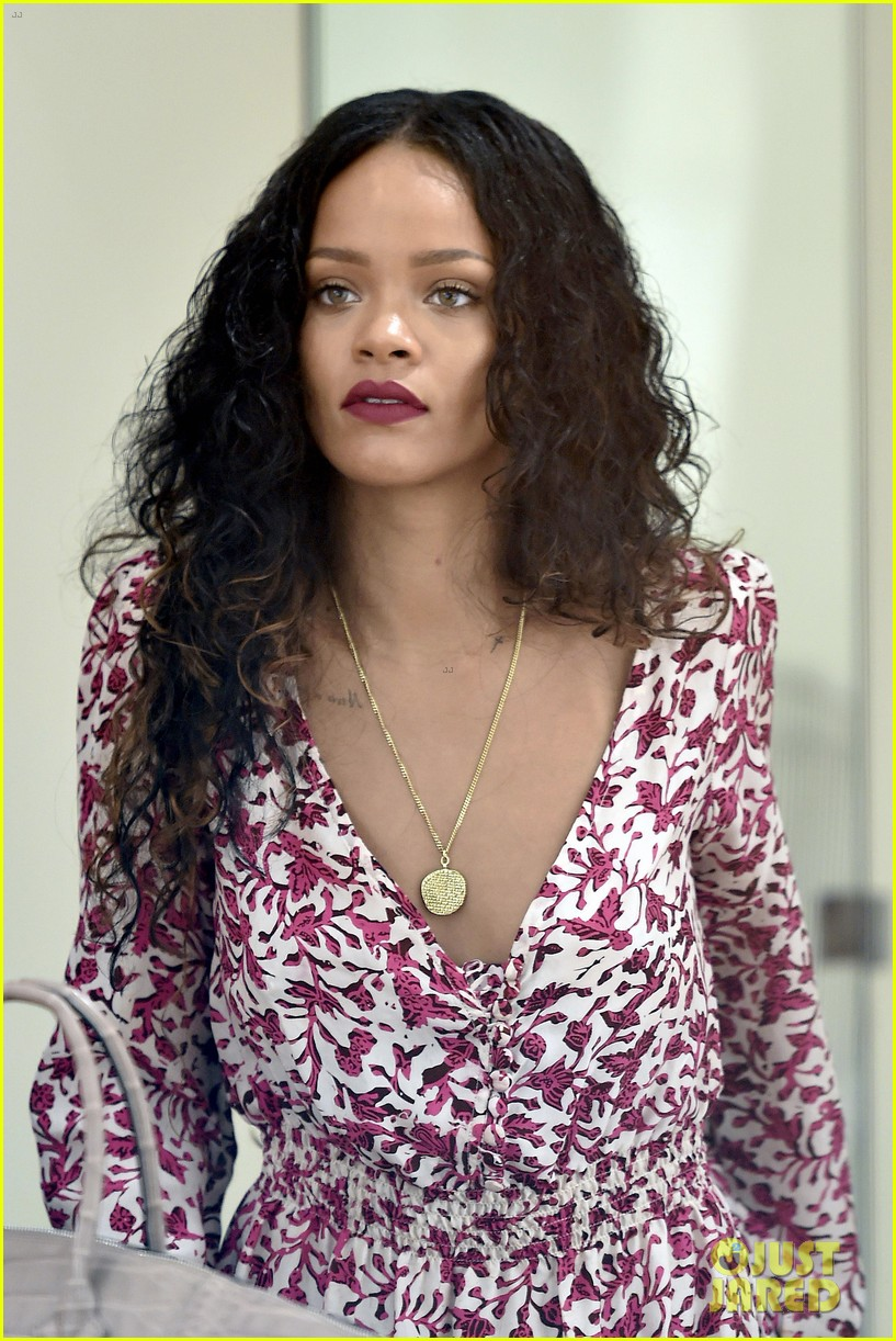 rihanna thanks fans 9 year anniversary debut album 03