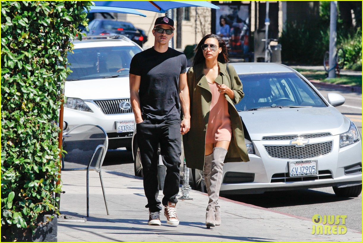 naya rivera ryan dorsey hold hands birds cafe 033180268
